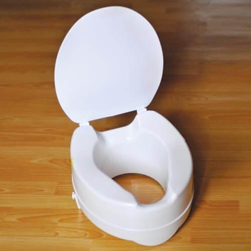 Санитарное приспособление для туалета - насадка на унитаз